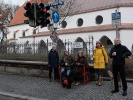 """Warten auf der """"Roten Bank"""" am Gasteig-Kircherl (©MarcelSenf)"""