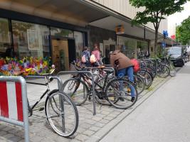 Radlständer, ehemals Kfz-Parkplatz in der Weißenburger Straße beim Orleansplatz (©NinaReitz)