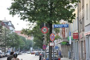 Rosenheimer Straße stadteinwärts, mit Geschwindigkeitsbeschränkung auf 30 km/h! (12)