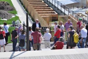 Besuchergruppe auf dem Dach