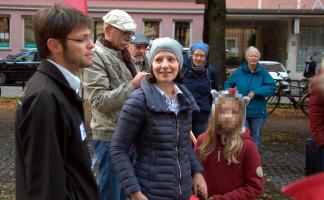 Stadträtin Anne Hübner, Jürgen Fernengel (OV Au und Turnierleiter), Personen im Hintergrund