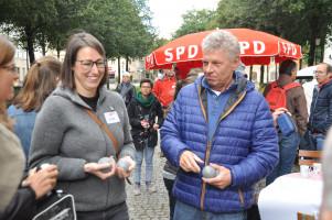 Lena Sterzer (SPD BA-Fraktionsmitglied) und OB Dieter Reiter sind eine Mannschaft