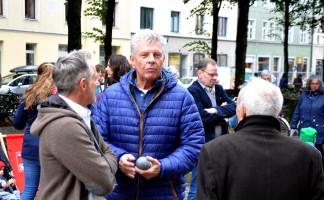 OB Reiter im Gespräch mit zwei Bürgern