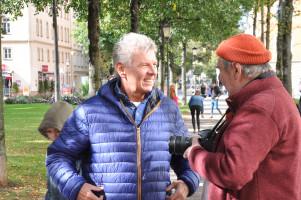 OB Reiter im Gespräch mit einem Besucher