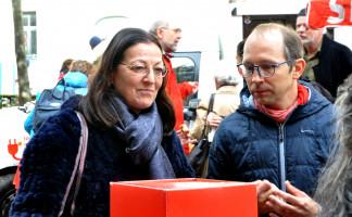 Claudia Tausend, Bundestagsabgeordnete und Vorsitzende der Münchner SPD im Gespräch mit Nikolaus Gradl