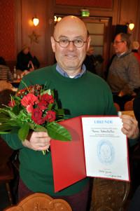 """Thomas Rottenkolber mit der """"Thomas-Wimmer-Medaille"""" und der Verleihungsurkunde"""