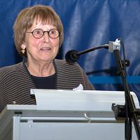 Adelheid Dietz-Will dankt der Versammlung